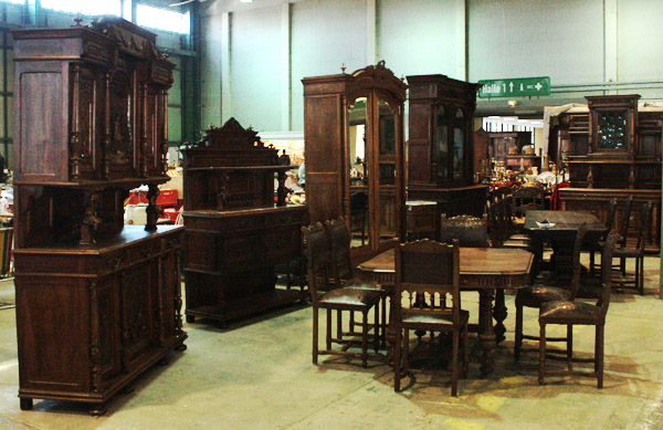 nostalgischer antik und tr delmarkt auf der agra leipzig. Black Bedroom Furniture Sets. Home Design Ideas