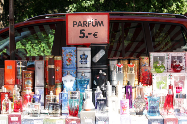 Verbrauchermarkt am Sportforum Parfum