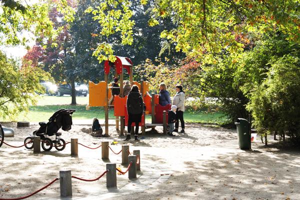 Kinder Spielplatz Clara Zetkin Park Leipzig