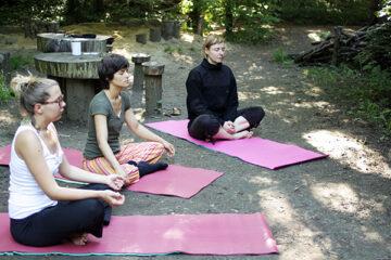 yoga im stadtgarten connewitz
