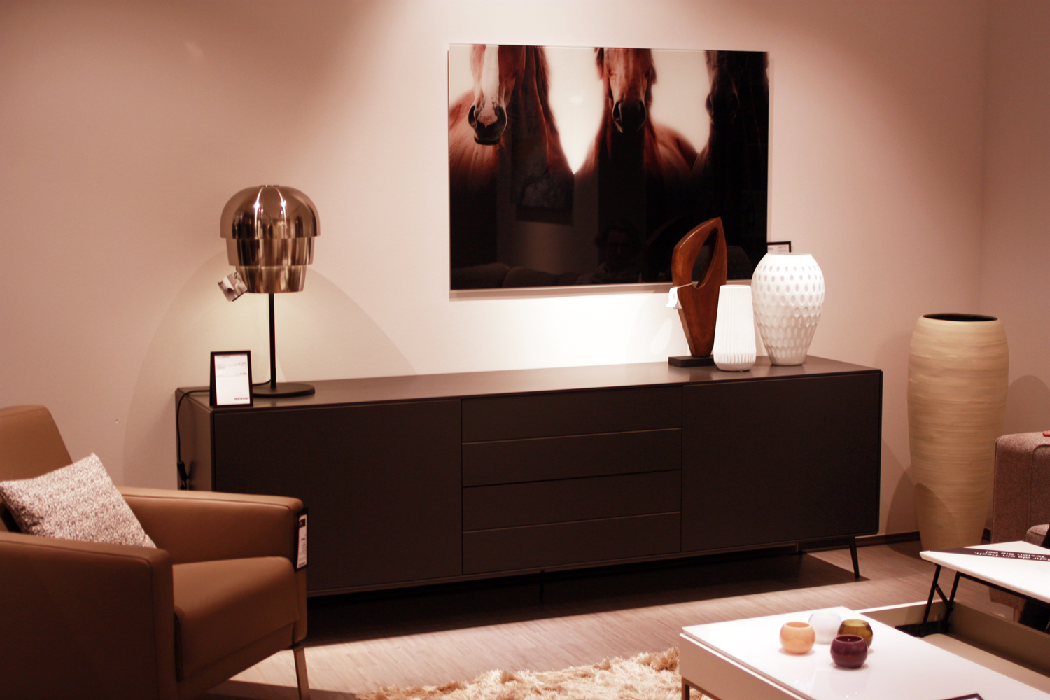 boconcept leipzig designm bel mit skandinavischem flair. Black Bedroom Furniture Sets. Home Design Ideas