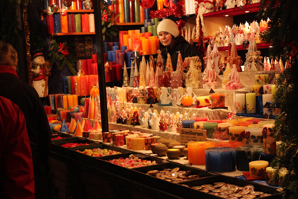 Adventsmarkt & Kerzenziehen