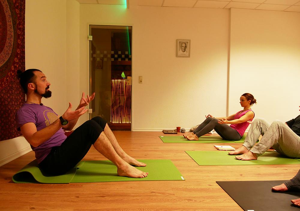 alexander kröger element yoga