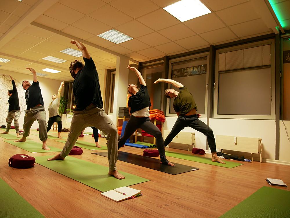 element yoga leipzig yogama